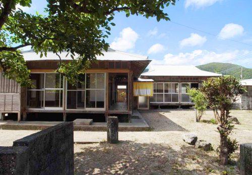 【リリーの家】が Yadokari 「女子的リアル離島暮らし」 で紹介されました。