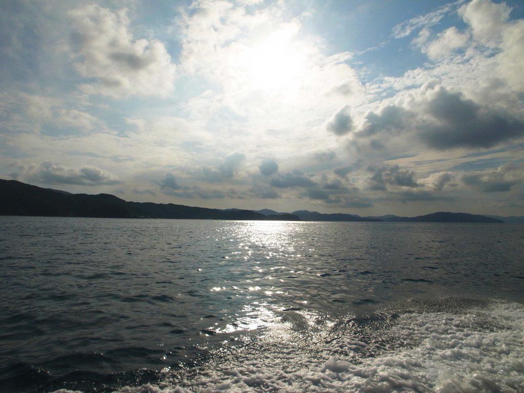 海と山と雲